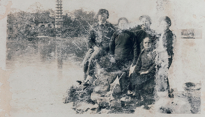 Burkhard von Harder | SUITCASE FROM SHANGHAI | Anonymous Family Photo Albums from the Times of the Cultural Revolution